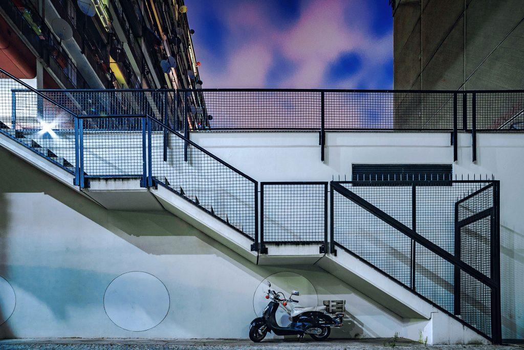 RollervorSozialpalastNachtFOTOR1